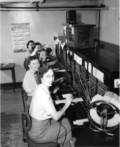 telephone_operators_19521